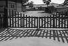 S18X3776 (Daegeon Shin) Tags: fujifilm xpro2 fujinon xf16mm 16mmf14 bw gate puerta shadow sombra sancheong corea korea 후지 후지논 흑백 대문 그림자 산청 경남