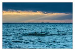 Greifswalder Bodden (bavare51) Tags: greifswalderbodden lubmin wolken sonnenstrahlen sky ostsee balticsea wellen