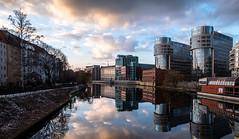 (Femme Peintre) Tags: berlin spree fluss wasser himmel wolken spiegelung architektur outdoor