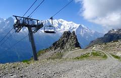 On the way down from L'Index (2595 m) to La Flégère (1877 m). Chamonix. (elsa11) Tags: chamonix montblancmassif montblanc laflégère lindex alps alpen mountains montagnes frenchalps hautesavoie auvergnerhonealpes france frankrijk cablecar