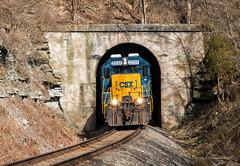 Tunnel 6 - Ford, KY (Wheelnrail) Tags: csx csxt train trains emd gp402 cc subdivision tunnel 6 rail road lite helpers power locomotive ford ky kentucky remote southern