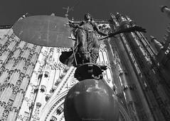 El Giraldillo (ricardocarmonafdez) Tags: andalucía sevilla giraldillo arquitectura architecture escultura sculpture veleta vane weathervane contrapicado lowangle catedral cathedral contrast light sunlight cityscape urbandetails monocromo monochrome blackandwhite 60d 1785isusm canon