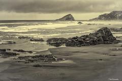 los Quebrantos (ton21lakers) Tags: playa paisaje mar marina rocas ribera canon tamron toño escandon asturias españa bn