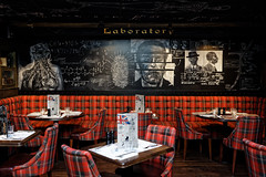 Laboratory (Guillaume DELEBARRE) Tags: english pub restaurant décor canon tamron2470f28 2470 dessin 5d4 5dmarkiv craie tableau color red rouge guillaumedelebarre fullframe tables laboratory