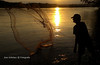 pescador (jose@rbelaez) Tags: pescador rio magdalena co colombia motog5splus motorola motog celular mobile movil atardecer contraluz red silueta persona pesca naturaleza airelibre josearbelaez ladorada caldas atarraya puestadesol