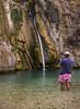 Cuando Vicent te quiere quitar el primer plano jaja (Ál Men-chez) Tags: callosa d´en sarria algar cascada fuente natural naturaleza