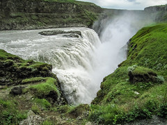 Gulfoss (RIch-ART In PIXELS) Tags: iceland gulfoss landscape moss waterfall falls outdoor gorge gap gulf canon nature cliff rockformation rock spray