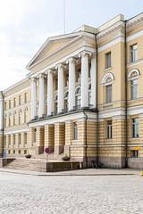 Halteverbot (Karamellzucker) Tags: helsinki sommer finnland ostsee reise citylife citytrip streetview architektur gebäude türen