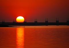 CAPturadO. (WaRMoezenierr.) Tags: zon zonsondergang sun stormvloedkering neeltje jans kamperland noord beveland zeeland nederland netherlands pays bas holanda sol ocaso oosterschelde nationaal park naranja oranje