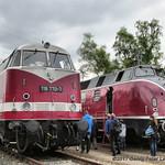 Diesellokomotive 118 770-7 ex Deutsche Reichsbahn & Diesellokomotive V 200 033 ex Deutsche Bundesbahn thumbnail