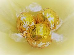 Chocolotes (Raewyn48) Tags: challenge
