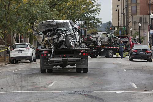 171008-2004-CarWreck