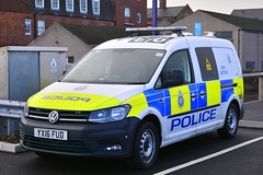 YX16 FUD (S11 AUN) Tags: british transport police btp vw volkswagen caddy van dog section policedogs dsu dogsupportunit incident response 999 emergency vehicle yx16fud