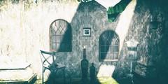 Life amongst ruins (SueGeeli DeCuir) Tags: plastik decor mirrors wallmirrors furniture ruins p whatnext tanelornmanordesigns bazar secondlife virtualworld