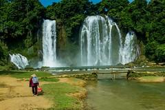 Největší vietnamský vodopád Ban Gioc (zcesty) Tags: řeka vodopád vietnam20 most domorodci vietnam bangioc dosvěta chongzuo caobằng cn