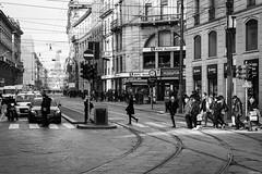 _DSC0061 (m.krema) Tags: milano lombardia italia it bn street urban strada semaforo automobili città kfc