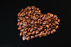 Coffee Love (Theo Crazzolara) Tags: coffee herz heart love lover cafe coffeebeans bean kaffee kaffeebohnen bohne cappuccino drink food taste favourite