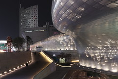 Dongdaemun Design Plaza in Seoul, Korea (mbphillips) Tags: 한국 韓國 서울 dongdaemun 동대문 東大門 ddp dongdaemundesignplaza 동대문디자인플라자 junggu 중구 中區 future mbphillips zahahadid night nighttime sigma1835mmf18dchsm dark darkness asia 亞洲 fareast アジア 아시아 亚洲 夜晚 밤 noche 黑暗 어둠 oscuro dongdaemungu 동대문구 東大門區 korea 韩国 southkorea 대한민국 republicofkorea 大韓民國 geotagged photojournalism photojournalist 将来 futuro 將來 미래 architecture 건축학 arquitectura 建筑学 建築學 curve canon80d seoul capital 首都 수도