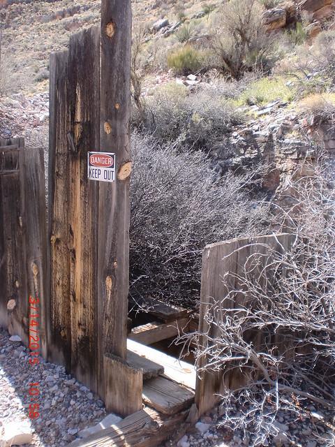Savanic Mine sign
