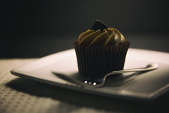 33/365 - Much ado about muffin (katatomicuk) Tags: cake cupcake dessert food foodphotography