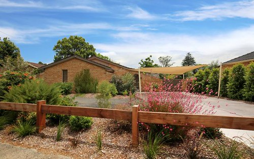 63 Cambewarra Rd, Bomaderry NSW 2541