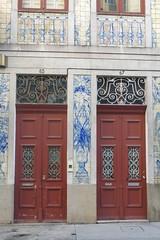 Portes à Porto (Portugal) (michele 69600) Tags: porte door porto portugal architecture europe europ 2 deux
