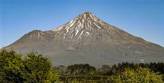 Mount Egmont (Bobinstow2010) Tags: newzealand northisland mount egmont taranaki extinct volcanic cone