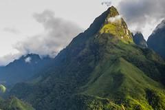 Ostré hory (zcesty) Tags: vietnam25 skála krajina hory hora vietnam dosvěta laichâu vn
