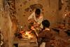 """Preparado de la pintura (Francisco J. Ardanuy """"Ardius"""") Tags: alfar cerámica alfarería sediles medieval pottery aragón recreación reenacment arcilla barro maestro aprendiz oficio taller"""