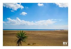 Puerto del Carmen - G16 2018-2732b (ROBERTO VILLAR -PHOTOGRAPHY-) Tags: rvphotografika lzphotografika imagenesdelanzarote photobank canong16 beachphoto lanzarotephotográfika