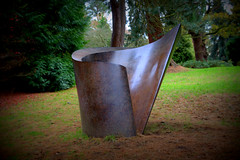 Modern art at Chatsworth House (Tony Worrall) Tags: palace royal seat duke place sculpture statue art view event show exhibition location chatsworthhouse gardens items photos derbys derbyshire devonshire uk england english modernart sunlit modern arty artist curve metal outdoor
