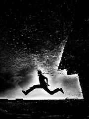 - walk off the earth -  #iphone #reflection #abstract #wallofftheearth #dark #grunge #freestyle #jump #blackandwhite #blackandwhitephotography #blackandwhitephoto #bw #bwphotography #bnw #bnwphotography #monochrome #monochromephotography #other (victor_erdi) Tags: iphone reflection abstract wallofftheearth dark grunge freestyle jump blackandwhite blackandwhitephotography blackandwhitephoto bw bwphotography bnw bnwphotography monochrome monochromephotography other