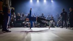 Trop facile (Clic Clac 2956) Tags: hiphop show breakdance spectacle danse dance danseur battle