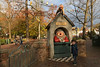 Speeltuin Gijs - Efteling (Netherlands) (Meteorry) Tags: europe nederland netherlands holland paysbas noordbrabant brabant kaatsheuvel loonopzand deefteling efteling themepark parcdattractions fun happy park parc hollebollegijs speeltuin playground indenhoorndesovervloeds antonpieck joopbruggeling theohochwald child kid enfant boy autumn automne trees arbres november 2017 meteorry