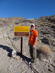 2017-11-18 Death Valley (115) (MadeIn1953) Tags: 2017 201711 california deathvalleynationalpark dvnp nationalpark keanewondermine sign minesite pete