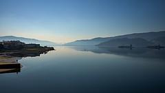 Ria de Vigo (cadchapela) Tags: cadchapela sony a7ii 2870mmf35 arcade galicia 2018 panoramica reflejos azul