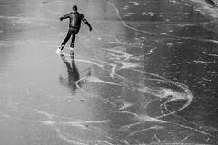 March 2018 © Inge Hoogendoorn (ingehoogendoorn) Tags: ice ijs schaatsen iceskating kunstschaatsen catharijnesingel utrecht blackandwhite blacknwhite streetphotography streetscene winterandspring march