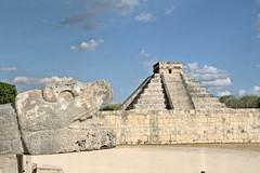 The awakening of Kulkulkan (Chemose) Tags: mexico mexique yucatán yucatan chichénitzá chichenitza pyramide kukulkan kukulkàn dieuserpentàplumes featheredserpentgod statue sculpture maya hdr canon eos 7d mars march