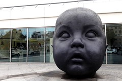 "Madrid, ""Dia / Day"" sculpture by Antonio Lopez Garcia near Atocha railway station (Sokleine) Tags: station gare atocha citycentre heritage madrid espana espagne spain bébé baby head tête sculpture garcia antoniolopezgarcia"