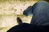 Défraîchi (Atreides59) Tags: pied foot pieds feet escalier stair stairs stairway rome roma italie italia italy pentax k30 k 30 pentaxart atreides atreides59 cedriclafrance jean denim bleu blue