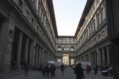 Florence - Outside the Uffizi (rfzappala) Tags: europe europa italy italia tuscany toscana 2016 florence firenze uffizi
