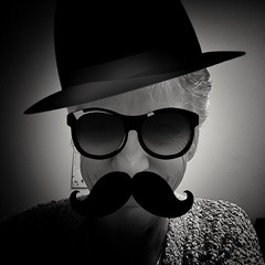 050/365 Incognito (Helen Orozco) Tags: selfie silly phoneedit 50365 vignette justforfun bw disguise