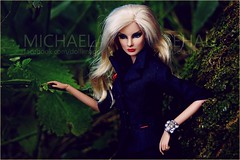 Giselle (Michaela Unbehau Photography) Tags: integrity toys giselle diefendorf dark romance fashion royalty fr fr2 nuface blonde convention outdoor leaf portrait michaela unbehau fashiondoll doll dolls toy ühotography puppe fotografie photography