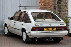E341 JRP (Nivek.Old.Gold) Tags: 1987 vauxhall cavalier club 5door 1598cc arlingtonmotorco bedford