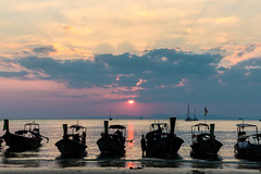Railay   |   Sunset (JB_1984) Tags: sunset evening colour sea andamansea boat longtailboat shadow silhouette cloud beach westrailay railaybeach railay krabi krabiprovince thailand kingdomofthailand nikon d500 nikond500