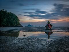 Nopharathara Beach - Ao Nang - Krabi - Thailand (alphachim) Tags: nopharathara beach aonang krabi thailand panasonicg70 lumix1260 sunset sonnenuntergang longtailboat outdoor sea andamanensee südostasien mft strand himmel meer ebbe