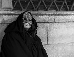 Masque Carnaval Venise 2018 (BenoitGEETS-Photography) Tags: mask masque venise venizia nikon nikonpassion d3200 geets benoitgeets bn bw noiretblanc nb regard blackwhite