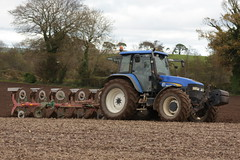 New Holland TM155 Tractor with a Kverneland 5 Furrow Plough (Shane Casey CK25) Tags: new holland tm155 tractor kverneland 5 furrow plough cnh nh blue newholland casenewholland traktori tillage trekker tracteur trator traktor ciągnik ploughing turn sod turnsod turningsod turning sow sowing set setting till tilling plant planting crop crops cereal cereals county cork ireland irish farm farmer farming agri agriculture contractor field ground soil dirt earth dust work working horse power horsepower hp pull pulling machine machinery nikon d7200