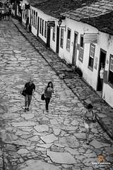 Walk (Luiz Contreira) Tags: walk walking tiradentes estradareal southamerica américadosul oldcity people pessoas pretoebranco pb minasgerais blackwhite bw brazil brasil brazilianphotographer street streetphotography fotografiaderua rua monocromático