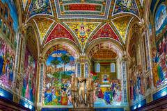 Las Tres Gracias (Juan Figueirido) Tags: lastresgracias bibliotecapiccolomini libreriapiccolomini piccolomini duomodisiena catedraldesiena siena toscana tuscany art sculpture painting arte color